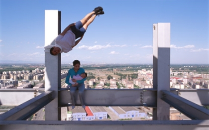li wei photography in motion construction site baby